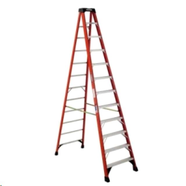 Where to find 21  STEP LADDER in Lexington